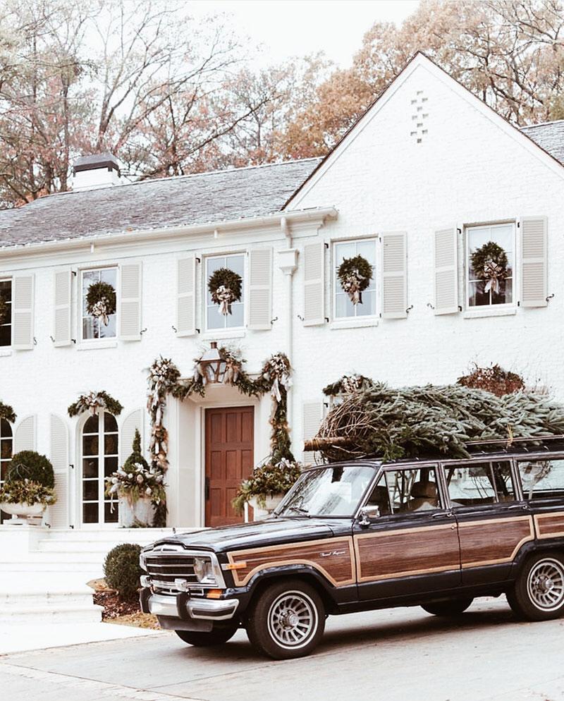 árbol de Navidad en coche