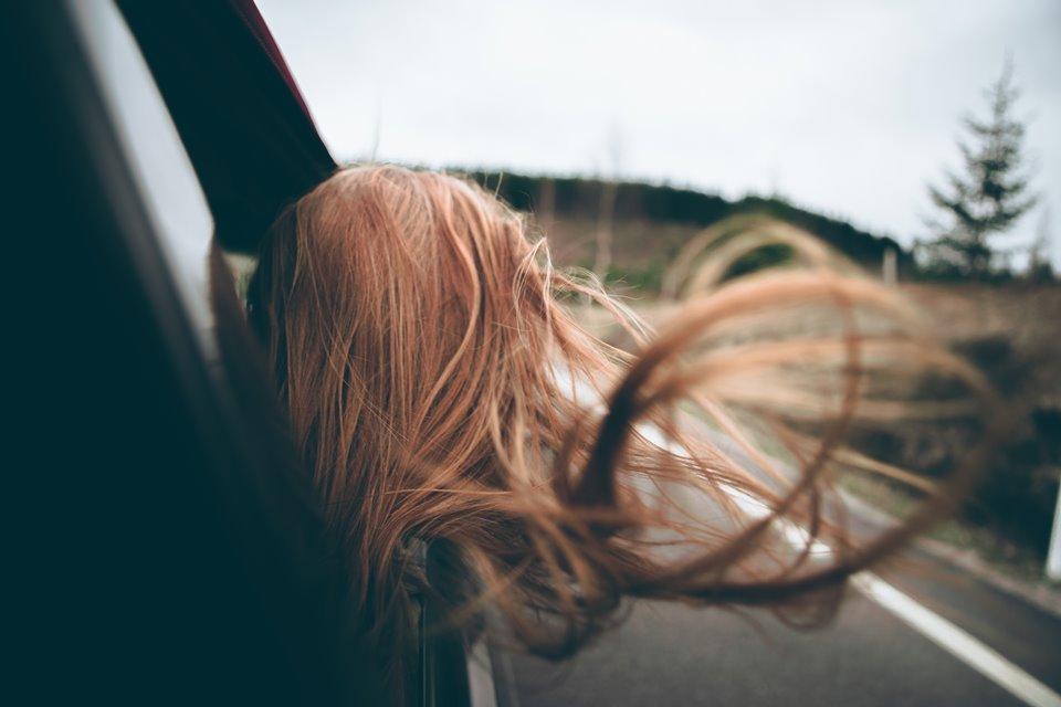 pelo al viento
