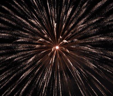 fuegos artificiales para celebrar el cumplir ños