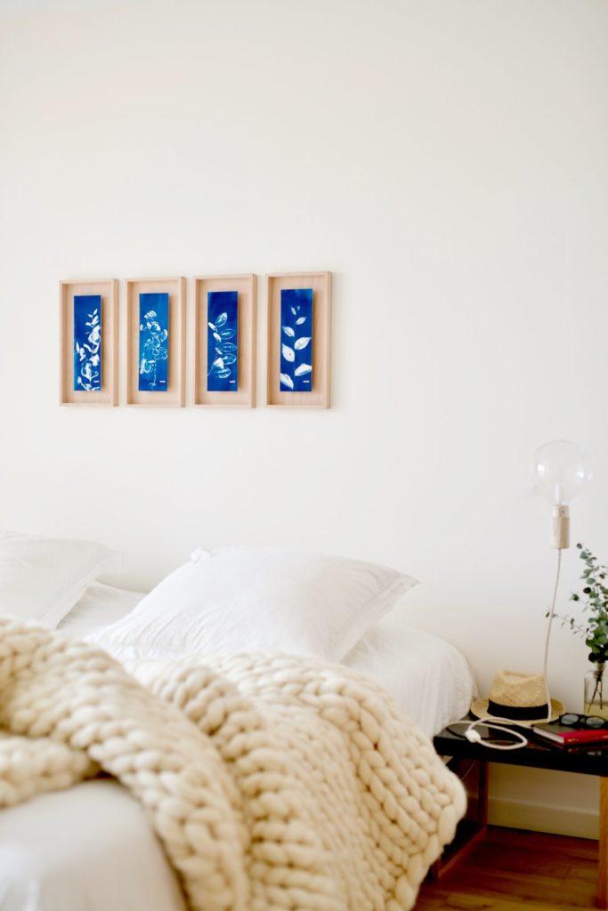 dormitorio en colores fríos una de las cosas a eliminar del dormitorio