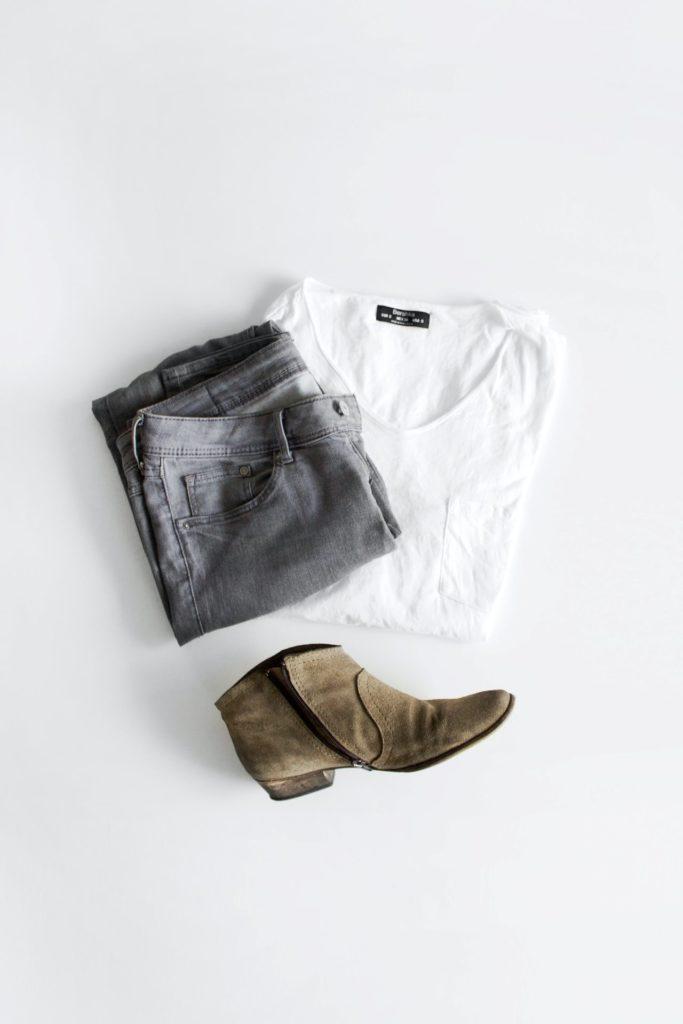 ropa básica para un armario cápsula